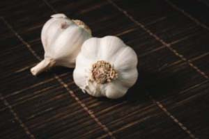A garlic a day keeps VIRAL INFECTIONS away!